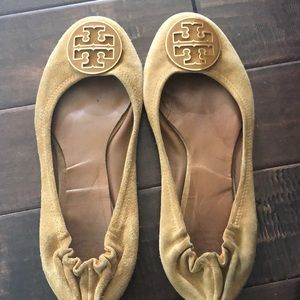 Tory Burch Reva size 10. Suede  great shoe!!